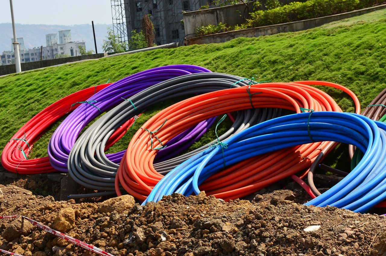 Fiber optic cabling installation outside plant cabling